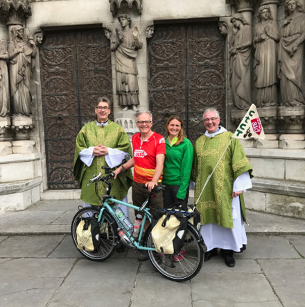 10,000 mile cyclist visits St Fin Barre's Cathedral, Cork