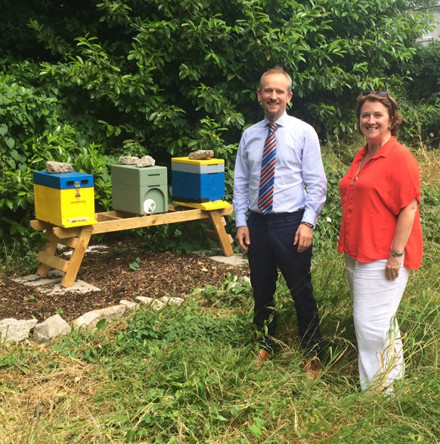 RCB and CITI receive bee–hives